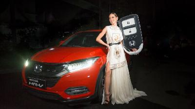 Juara Indonesia's Next Top Model 2020 dapat Hadiah Honda HR-V