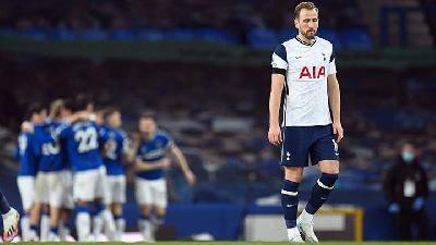 Kane Double Earns Tottenham Hotspurs 2-2 Draw at Everton