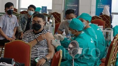 2.1 Million People in Jakarta Get First Dose of Covid-19 Vaccine