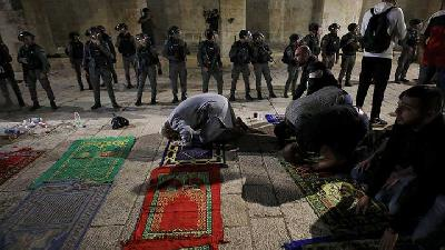 Saudi Arabia, UAE Condemn Israel over Clashes at Al-Aqsa