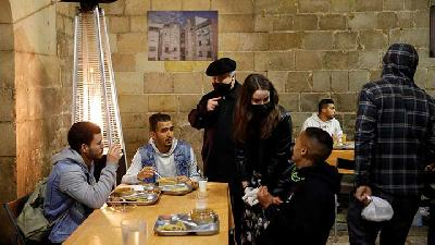 Barcelona Church Opens Doors To Ramadan Dinners